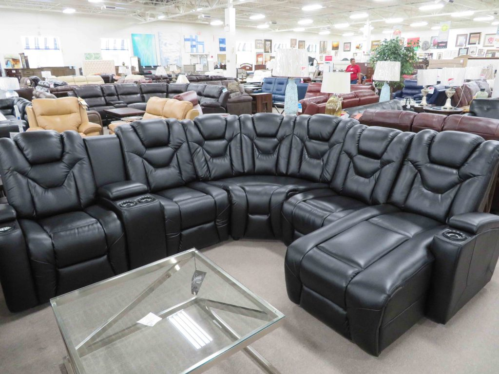 Img 1064 Heavner Furniture Market